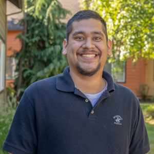 Roberto Palma | Assistant Community Manager
