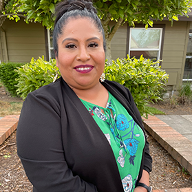 Rosalinda Alonso | Assistant Community Manager